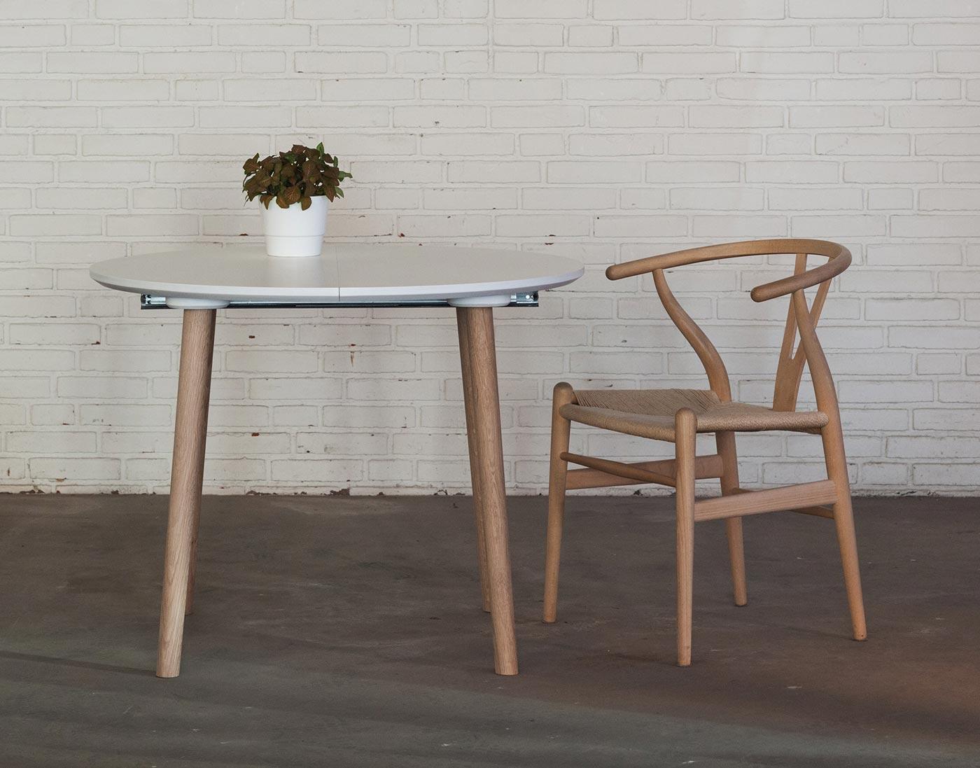 Produktbillede - Rundt spisebord med udtræk